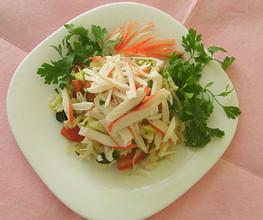 Салат из огурцов и крабовых палочек